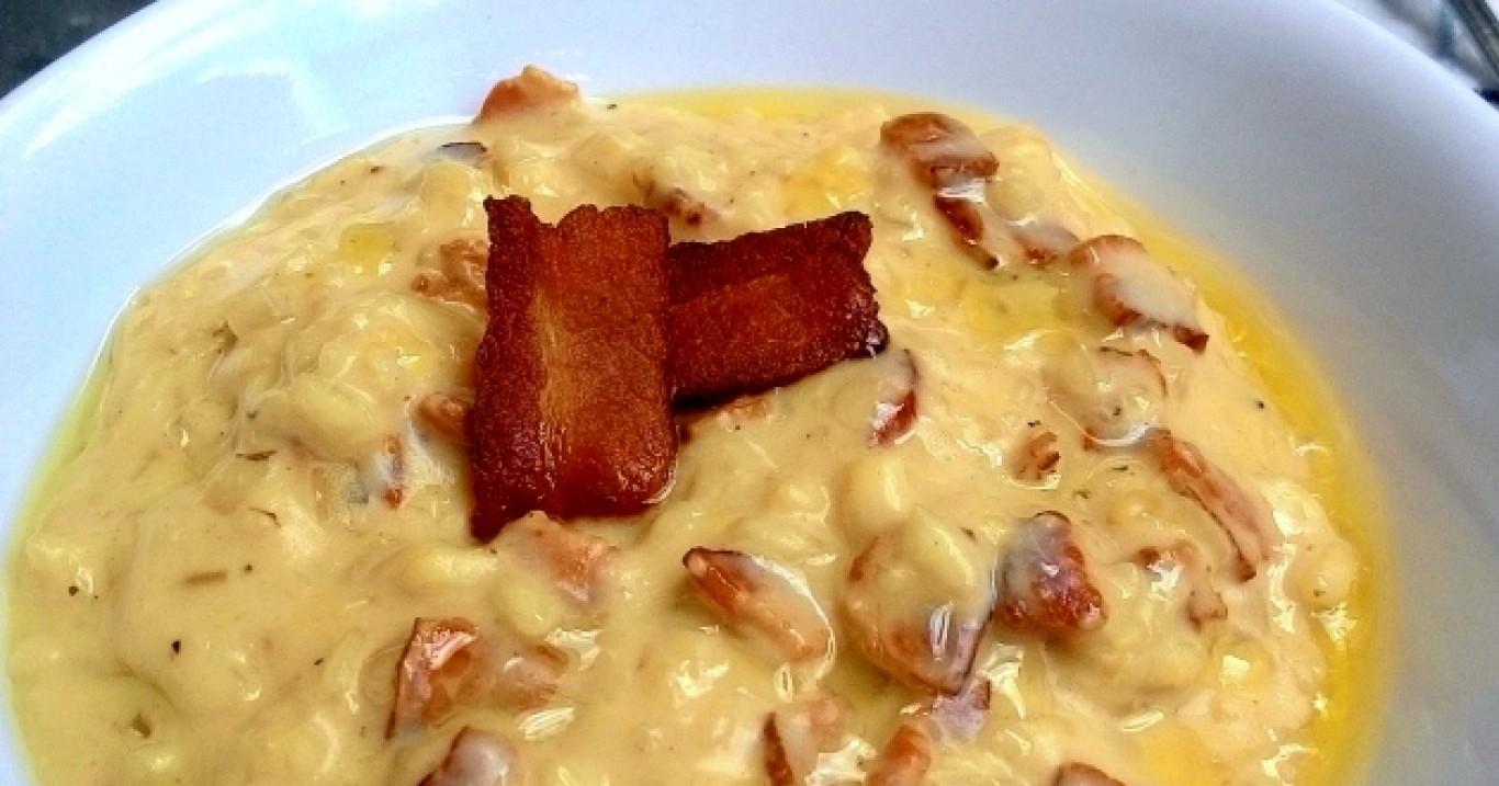 Risoto à carbonara (com bacon, queijo e ovo)