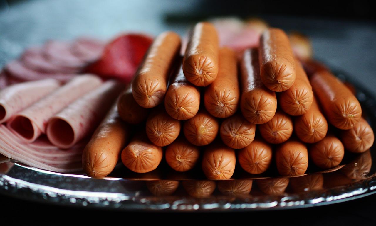 sausage-2127682_1280