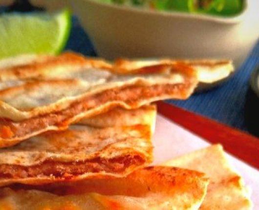 Arais (sanduíche árabe de carne temperada no pão sírio)