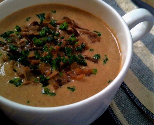 Cappuccino de cogumelos (sopa cremosa)