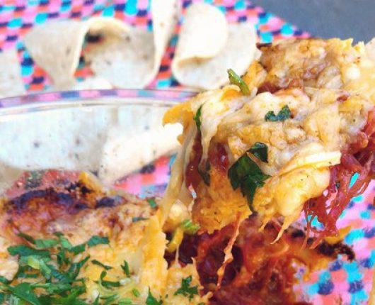Carne à mexicana com queijo gratinado
