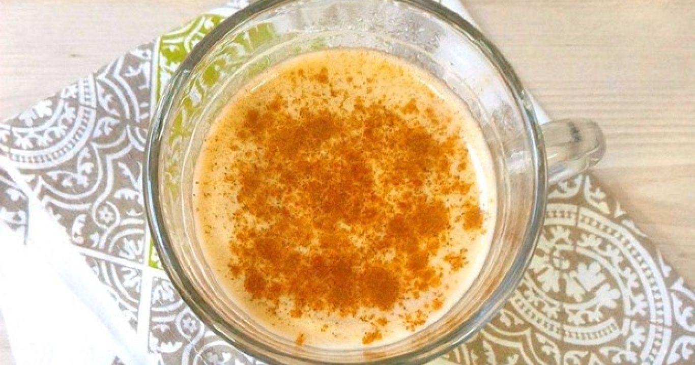 Receita de chai latte (chá indiano com especiarias e leite)
