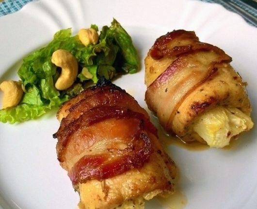 Filé de frango à jamaicana com abacaxi e bacon