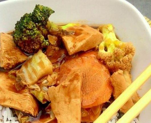 Frango com legumes ao molho oriental