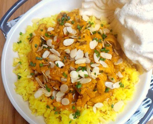 Frango tikka masala (frango com molho indiano)