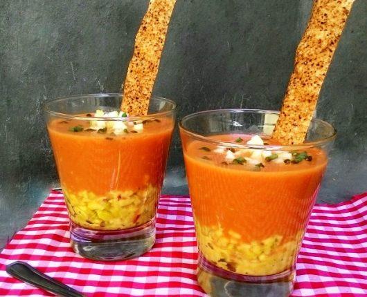Sopinha fria de tomates com guacamole da Carla Pernambuco