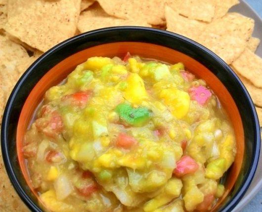 Guacamole (pasta mexicana de abacate temperado)