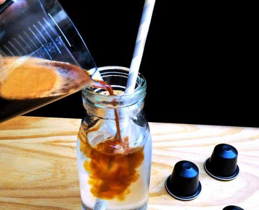 Receita de Kaffé & tonic (drink não-alcoólico de café com tônica)