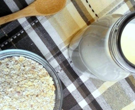 """Como fazer """"leite"""" de aveia (sem lactose, vegan)"""