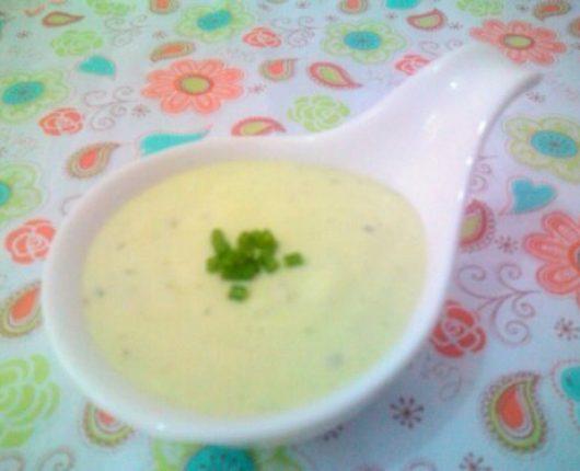 Maionese verde sem ovo (molho de maionese de leite com ervas)