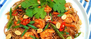 Pad thai de camarão (macarrão tailandês)