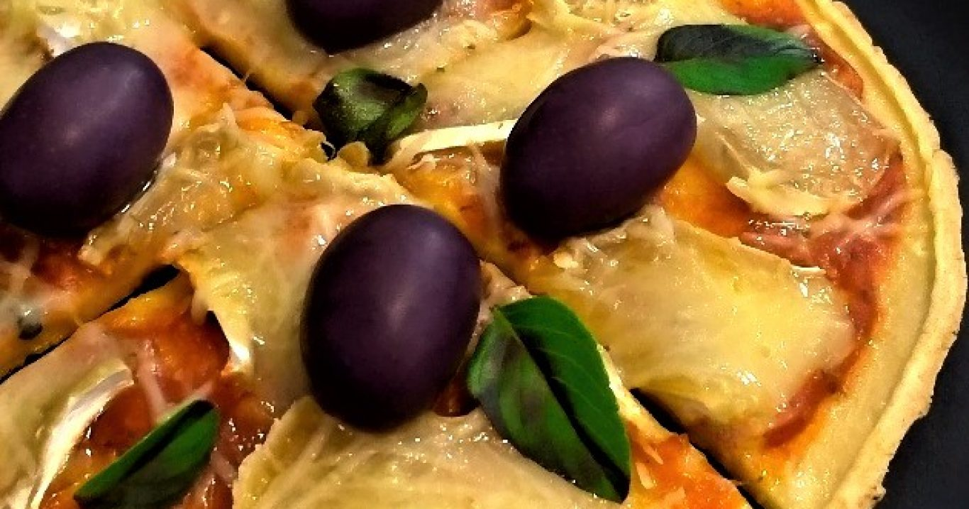 Pizza de crepioca na frigideira (sem glúten)