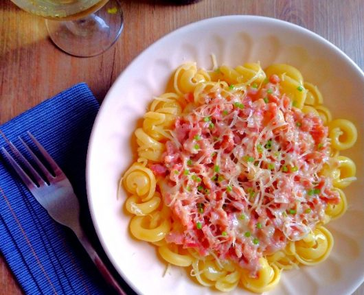 Ragù bianco (molho de linguiça com queijo cremoso)