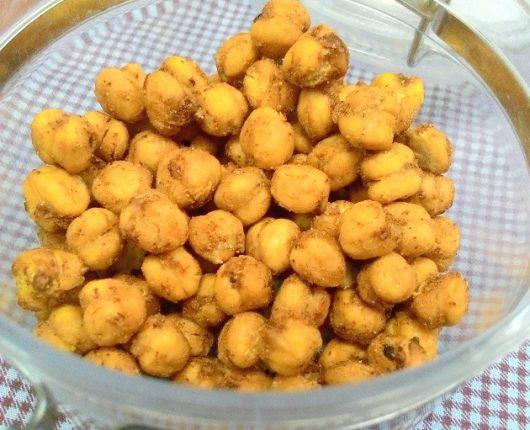 """""""Salgadinho"""" saudável de grãos de bico"""