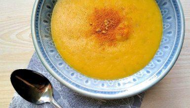 Sopa de cenoura e mandioquinha com cúrcuma