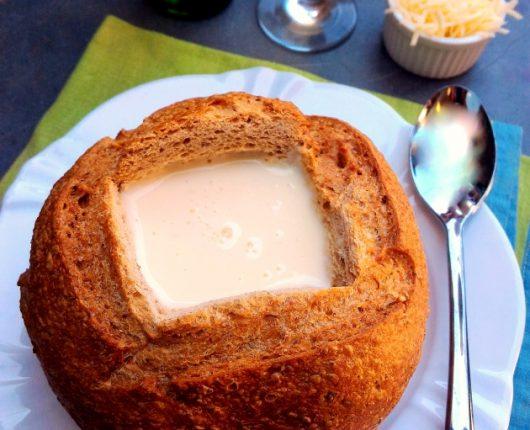 Sopa cremosa de queijo