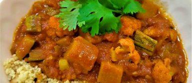 Tagine de legumes e cuscuz marroquino com castanhas
