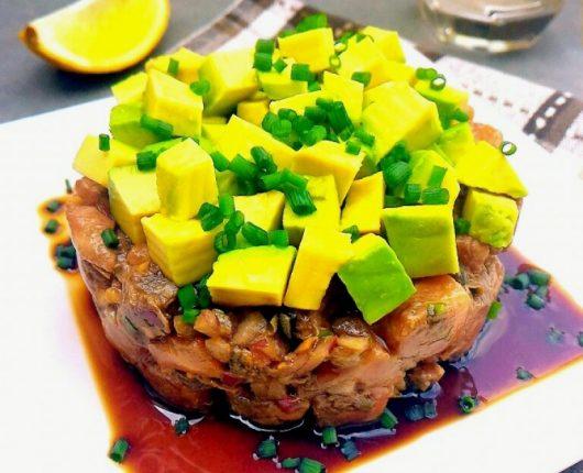 Tartare de salmão com avocado