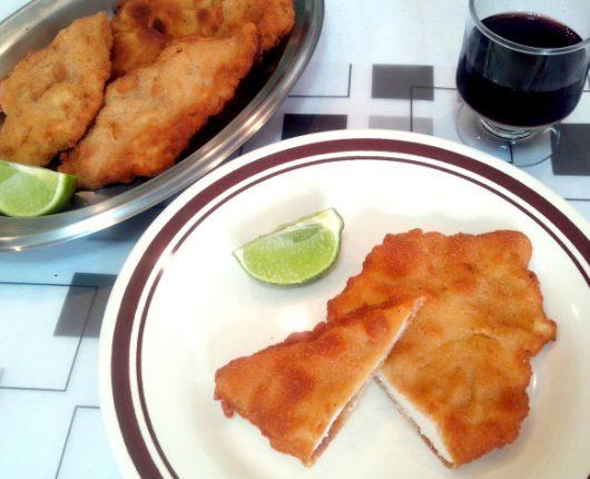 Como fazer bife ou frango à milanesa (com casquinha sequinha e crocante)