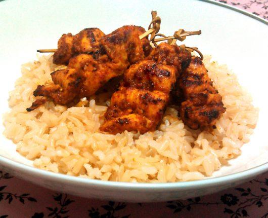 Espetinhos de frango picante (calorias reduzidas)