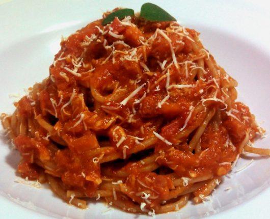 Espaguete à amatriciana (All'amatriciana)