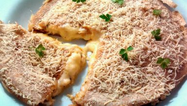 Super quesadilla rápida (quesadilha com 4 queijos)