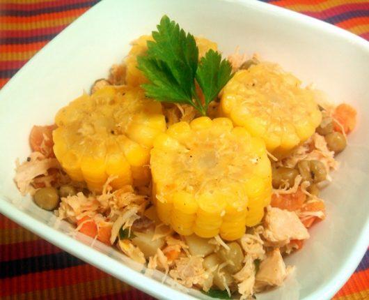 Frango caipira (com legumes e milho na espiga)