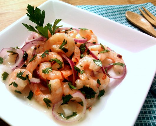 Ceviche (ou cebiche) de camarão