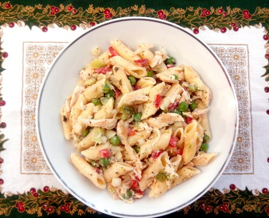 Salada de macarrão com peru