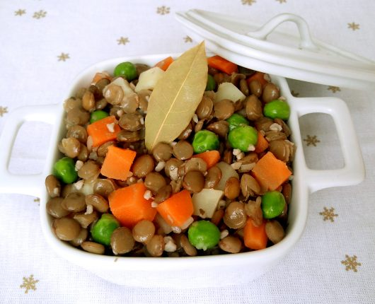 Salada colorida de lentilhas da sorte