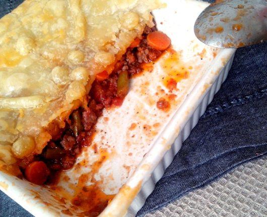 Pot pie de carne com legumes (torta sem base de massa, feita no refratário)
