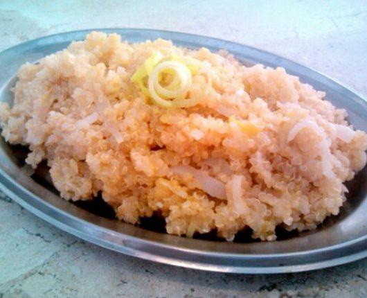 Risoto de quinua com alho poró ao limão