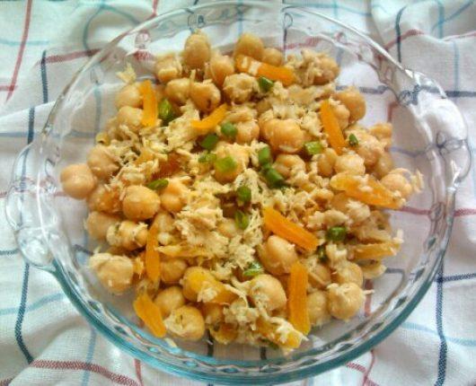 Salada de grão de bico com damasco