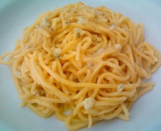 Massa ao gorgonzola