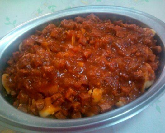 Molho de tomate com calabresa e/ou pepperoni