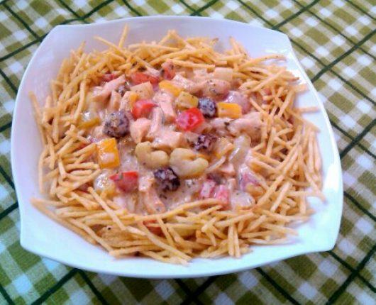 Salada de frango com iogurte (salpicão com calorias reduzidas)