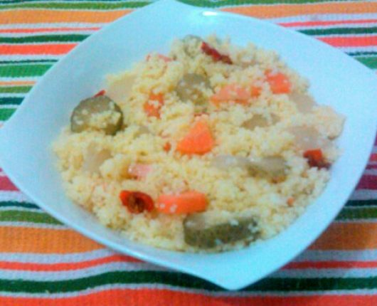 Cuscus marroquino com picles