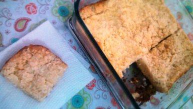 Pão Queiroga (pudim de pão amanhecido com coco ralado)